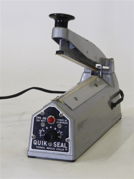 National Instruments Type 210 Thermal Impulse Sealer