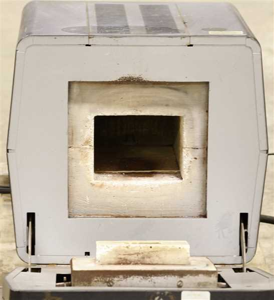 Lindberg Hevi Duty Box Furnace Model 51222 – 1