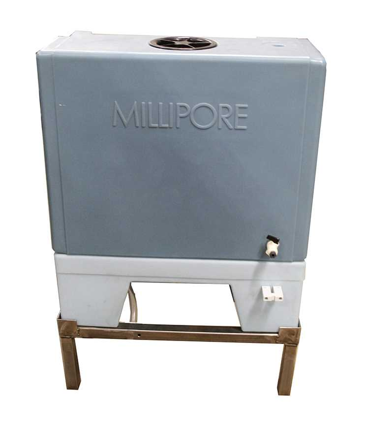 Millipore 60 Liter Polyethylene Water Storage Tank - 1