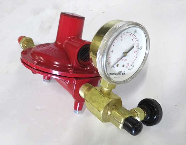 Air Products N570M  Ultra Low Inlet Pressure Cylinder Regulator